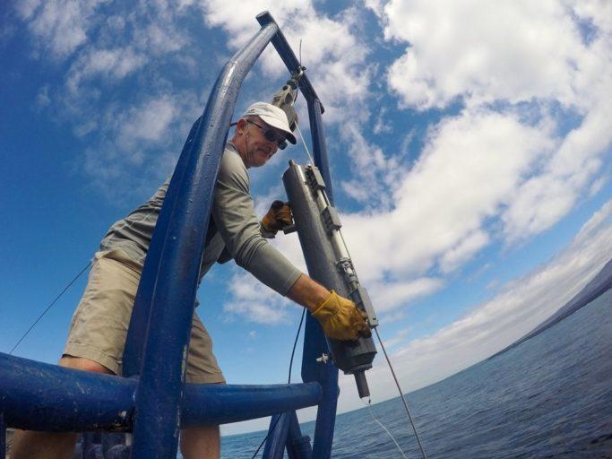 Oceanógrafos midieron indicadores como la temperatura del agua, salinidad, acidificación, sedimentación. En ellos incide el cambio climático. Foto cortesía de Irene Méndez.