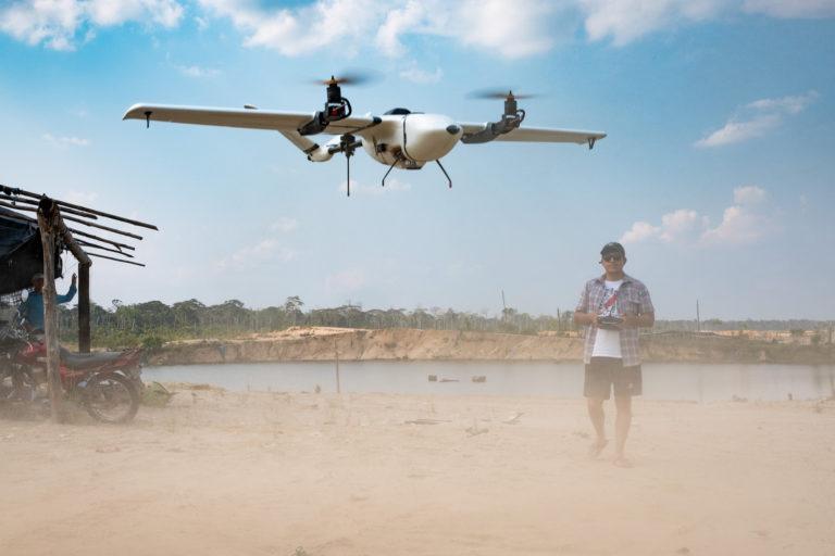 Las imágenes del dron permitieron analizar las pozas dejadas por la minería ilegal. Foto: Jason Houston / CINCIA WFU.