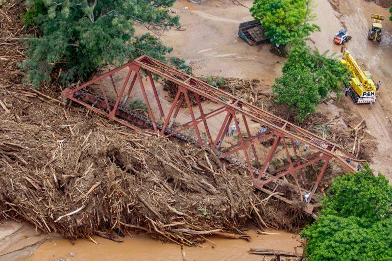 Greenpeace denuncia que las actuales inundaciones en el norte de la provincia de Salta, son consecuencia directa del irracional proceso de destrucción al que se encuentran sometidos los ultimos bosques nativos argentinos. Foto: Greenpeace.