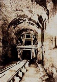 Así lucían la entrada del túnel de La Línea para vía férrea durante los años ´30.