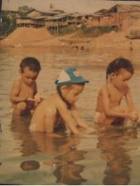Mis hijos, el motor de mi vida en la mitad del río Atrato (1984)